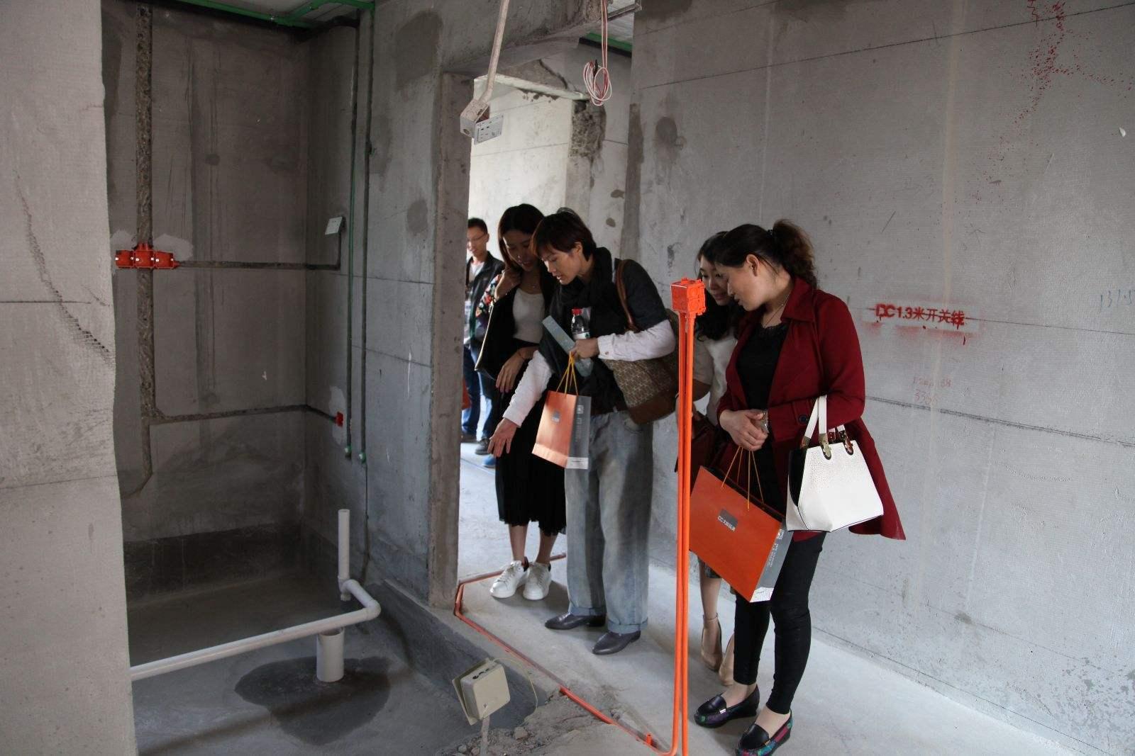 买房子要不要选择带下沉式卫生间的?下沉式卫生间有哪些优缺点?