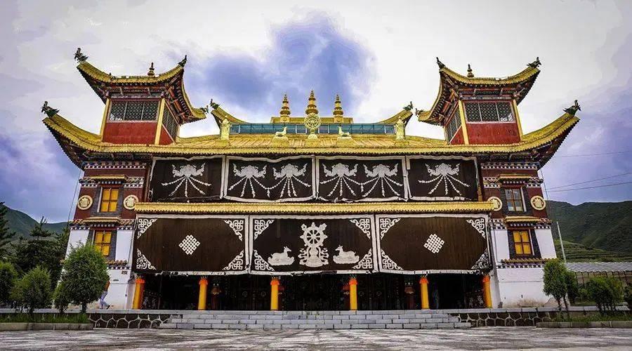 比新疆绚丽,比西藏神圣,这个全域免门票的秘境藏着最美的秋天