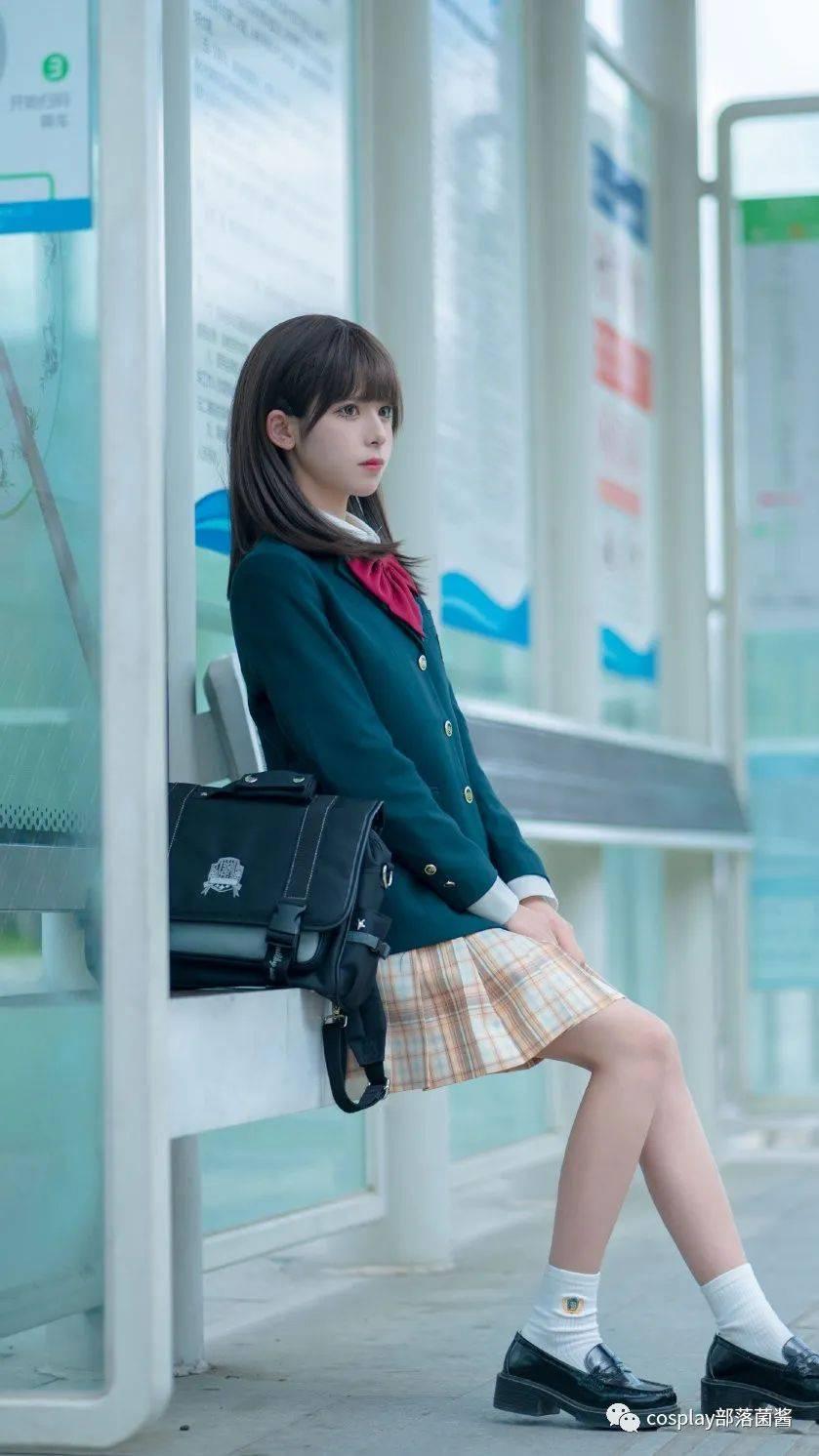 JK少女:车站上那个姑娘