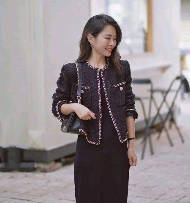 简单温柔的穿搭不挑人,只要懂得穿搭技巧,轻松成为人群中的焦点
