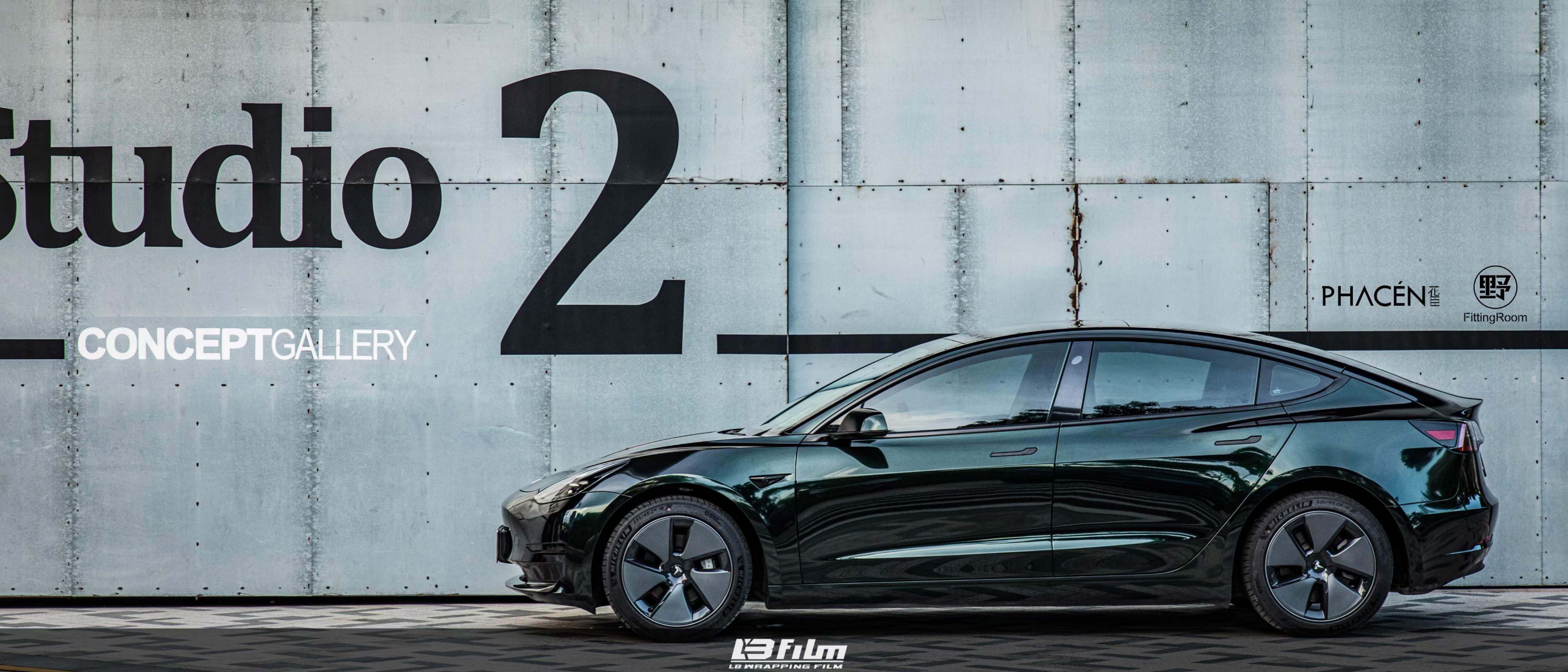 特斯拉-Model3全车贴膜LB改色膜超亮金属祖母石绿