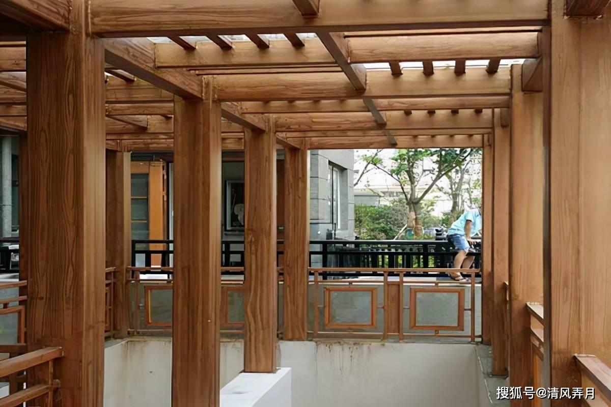 凉亭、廊架上做木纹漆