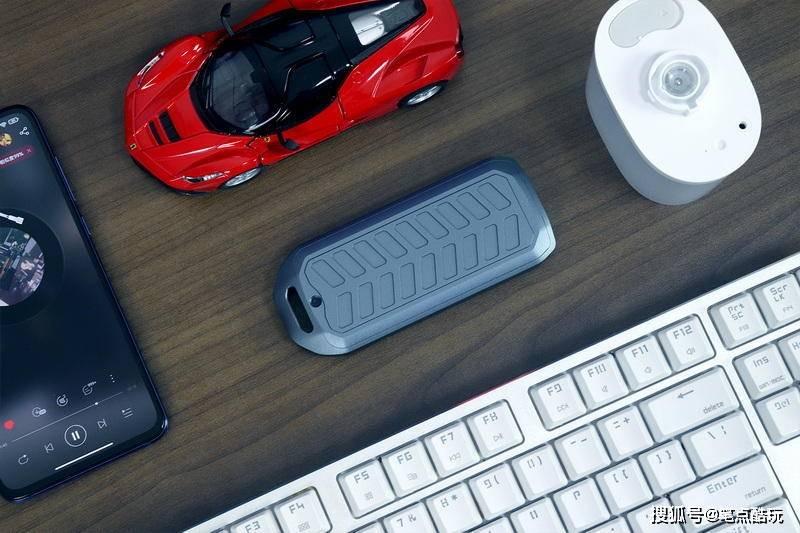 告别U盘,提前感受极速PSSD!ORICO USB4.0固态硬盘盒上手