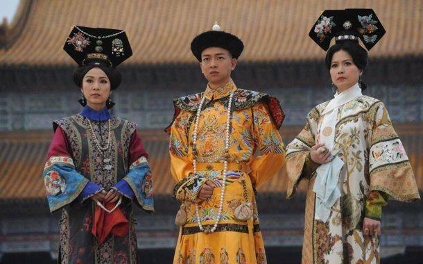 大清皇帝结婚娶姑侄两人,姑姑成为妃子,侄女却被封为皇后!