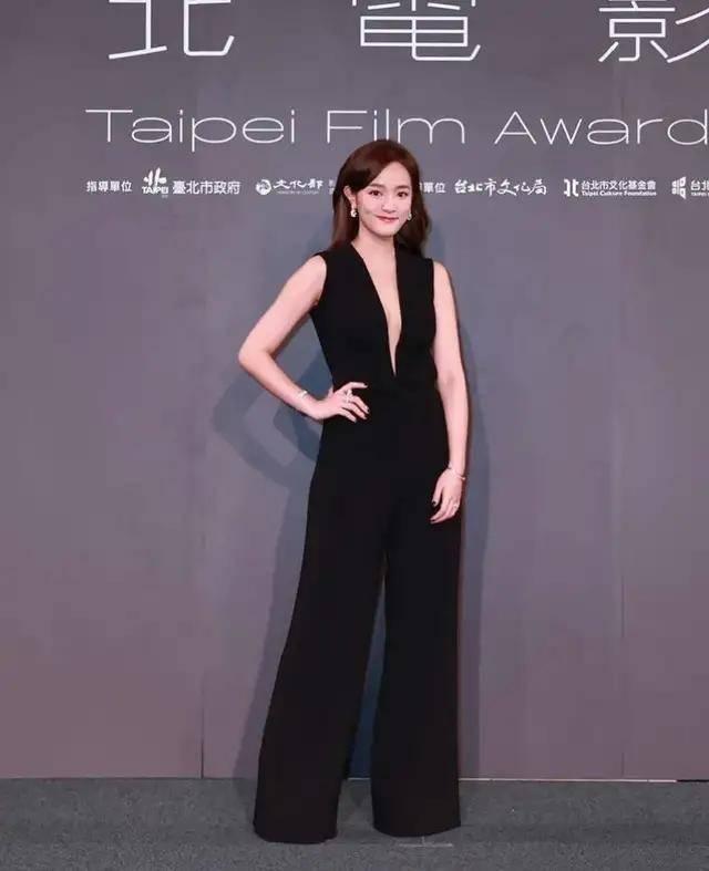 图片[2]-林心如变脸认不出,人均又土又俗,台北电影节红毯,把我丑笑了-妖次元
