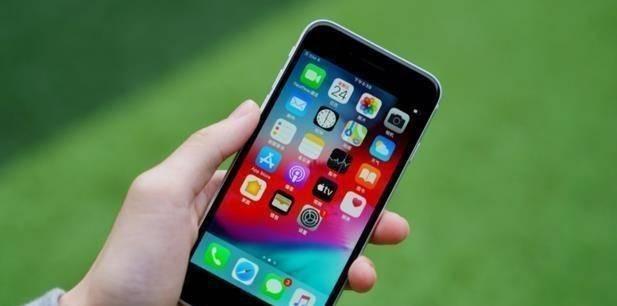 买处理器送手机,iPhoneSE3发布时间定档,价格比iPhone13更便宜