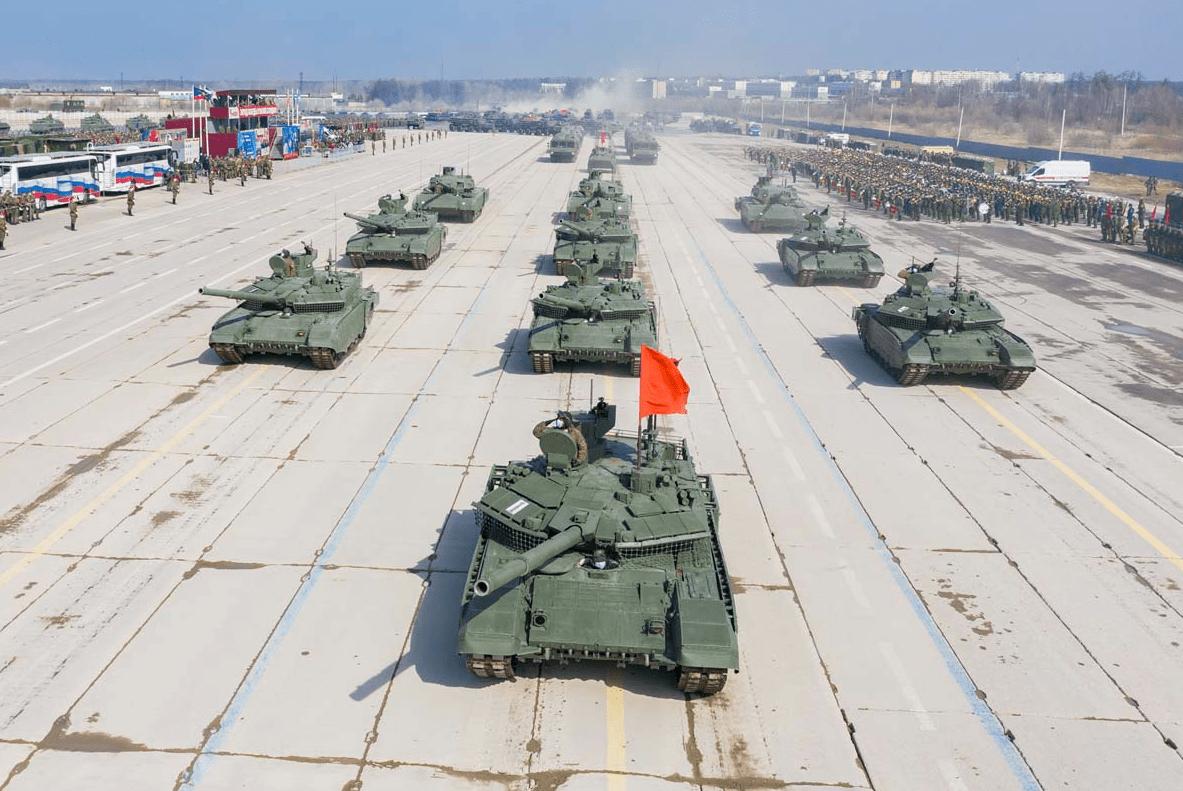 现场震撼!俄军在阿拉比诺组织地面方队进行阅兵