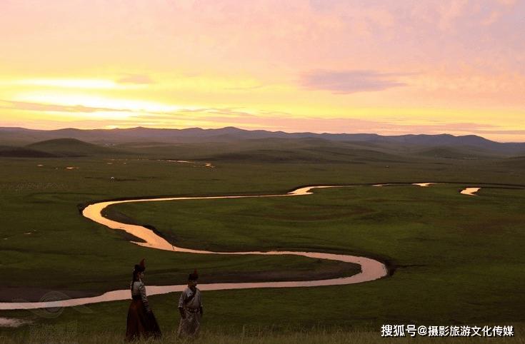 《牵挂草原》故乡有一片草原,那是我梦中的天堂