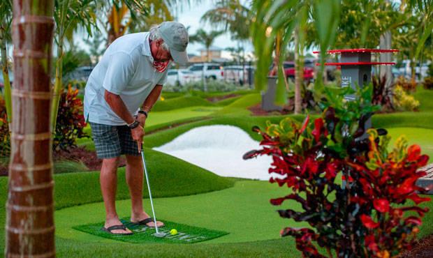 伍兹加入高尔夫娱乐节目后 将迅速扩展到3个州