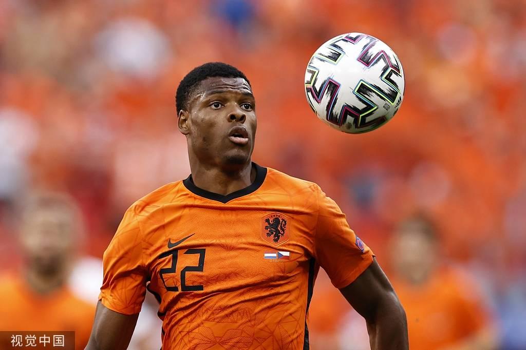 荷兰欧洲杯第一人驾临英超 转会已谈妥只差合同