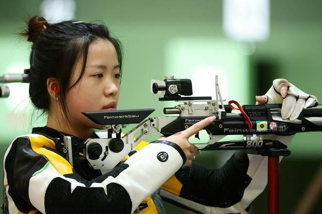 女子10米气步枪资格赛 杨倩以排名第六进入决赛