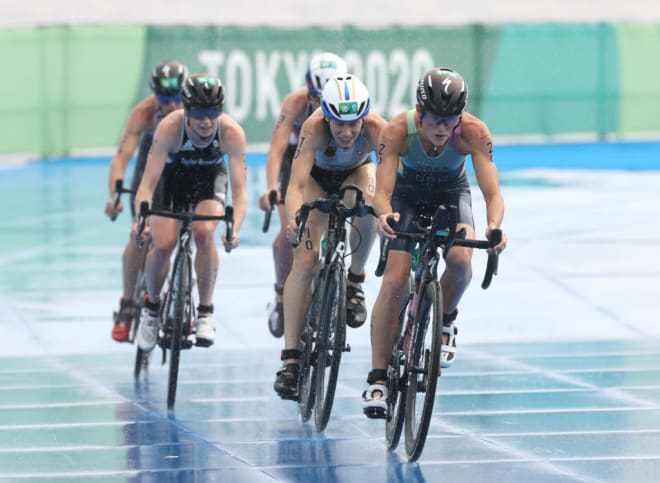 奥运会女子铁三百慕大夺奥运历史首金 中国选手未完赛