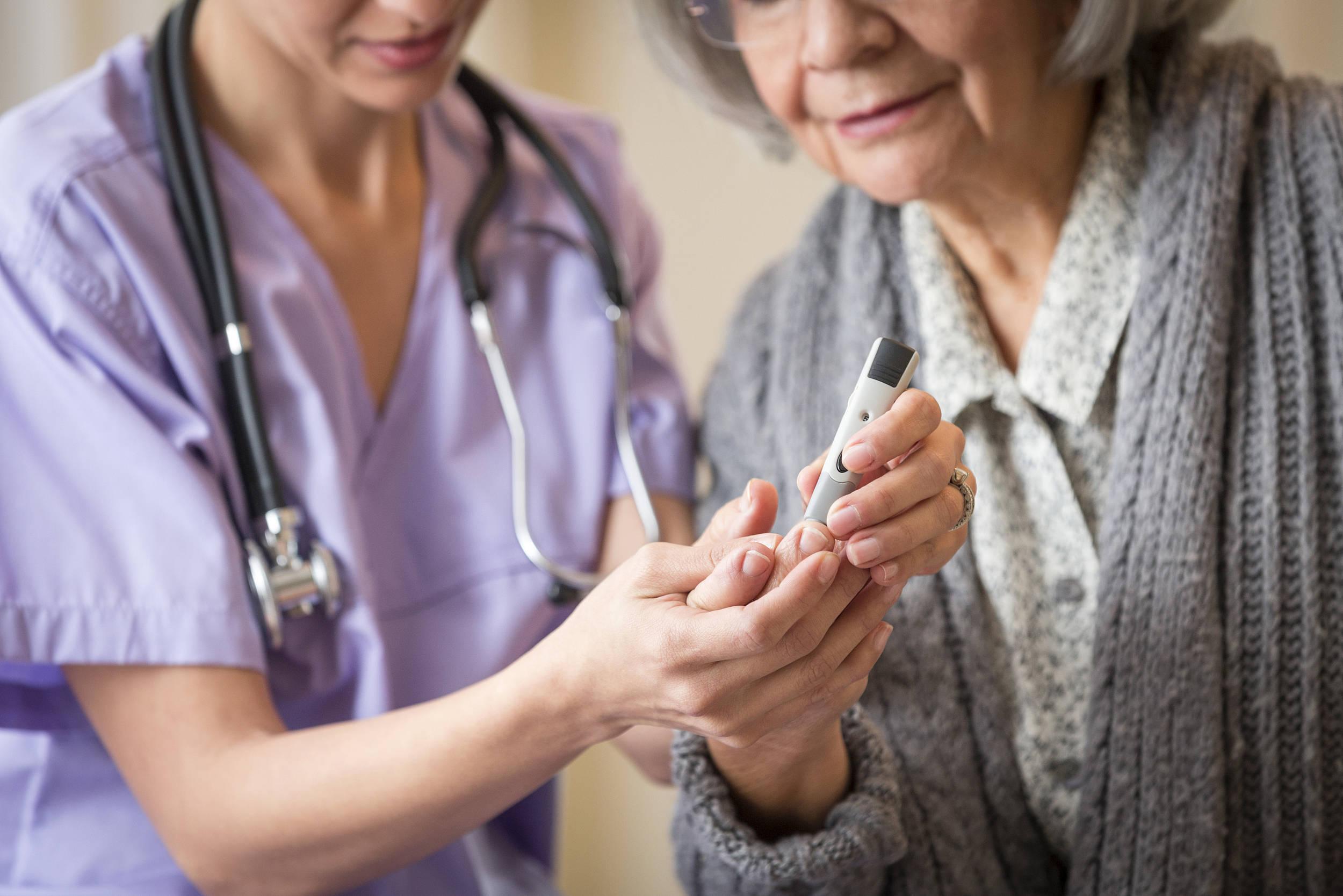 狐大医|中国老年糖尿病患者超三千万,这几个并发症必须得防