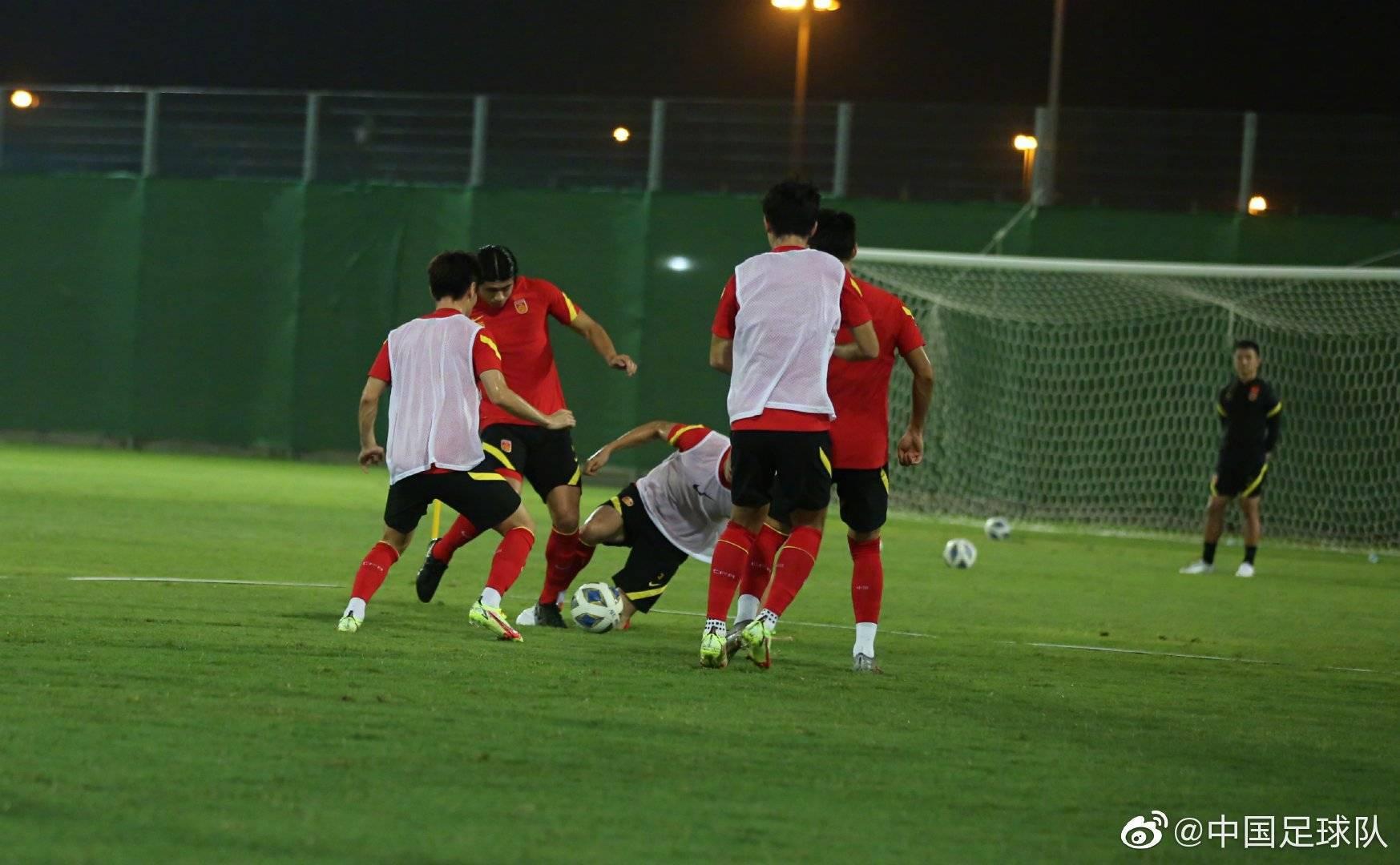 国足开启一天两练储备体能 下旬或联系老对手叙利亚热身