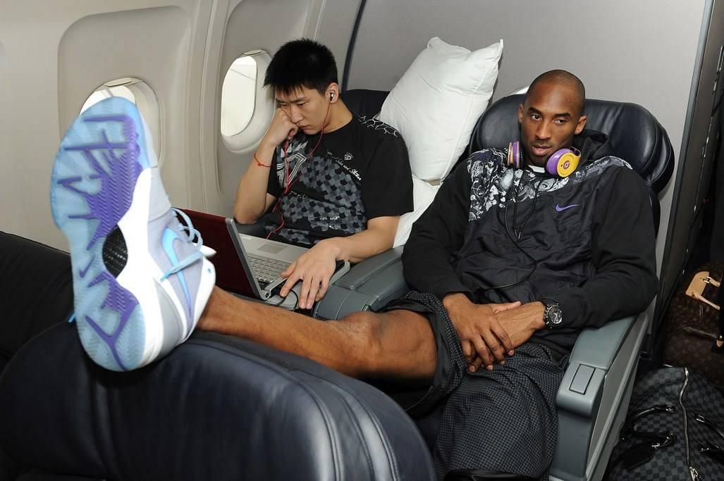孙悦征战NBA曾因买汉堡在机场迷路 帮科比拎包成为好友