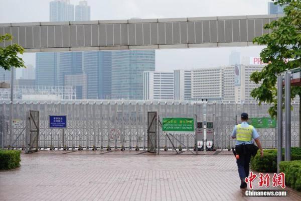 香港中区军用码头正式移交解放军驻港部队