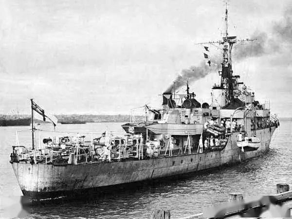 紫石英号挑衅,解放军炮兵连续重创4艘英舰,击毙147个英国兵
