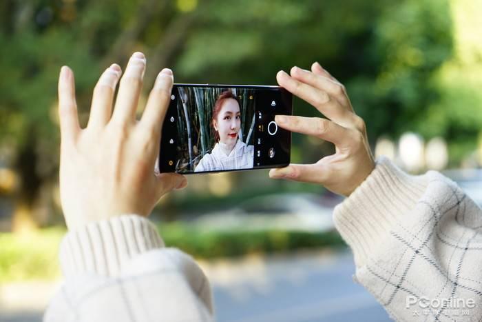 OPPO Reno5 Pro评测:全新星钻外观,最会拍人的视频手机的照片 - 11
