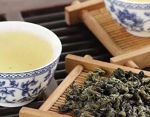 如何鉴别普洱茶的年份?