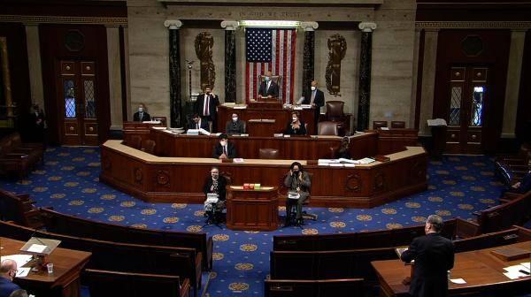 美国国会众议院围绕特朗普弹劾条款开启第一轮辩论与投票