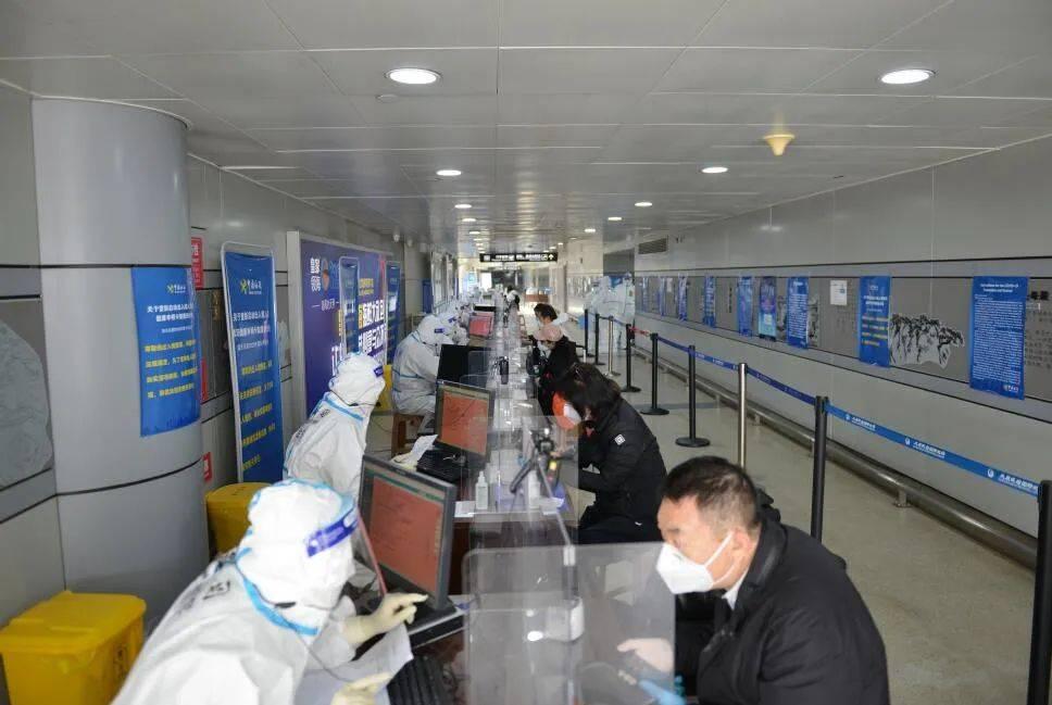 太原海关加强对入境航班疫情防控闭环管理