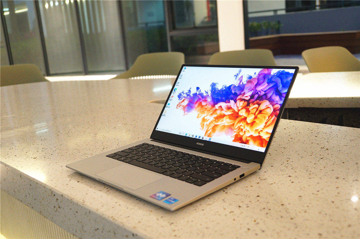 轻薄兼具生产力,全新荣耀MaigcBook 14如何做到的
