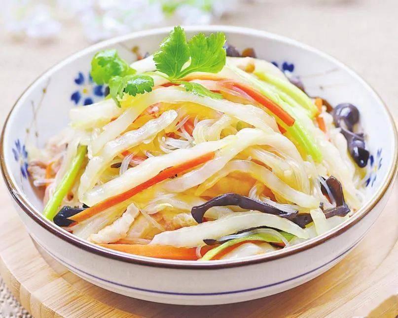 天顺开户:不喜欢吃白菜帮?那是没试过这种吃法,酸爽脆嫩,下饭开胃_五花肉