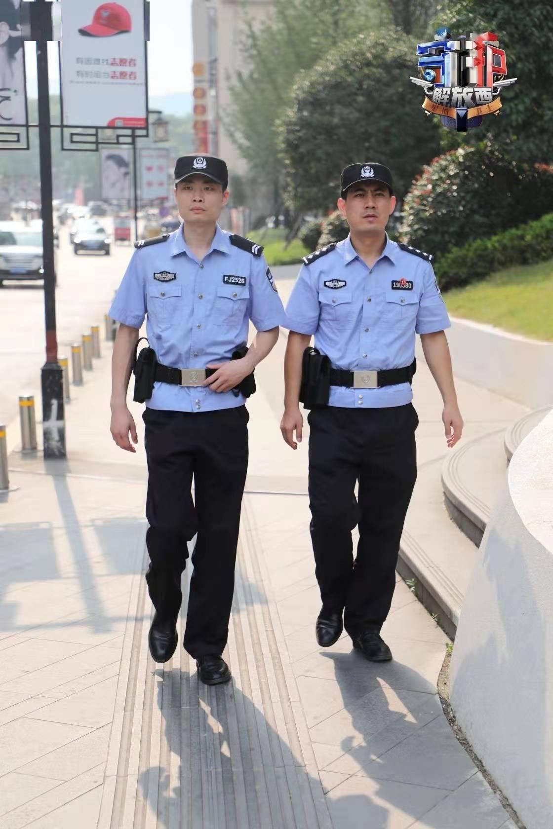 这位《镇西解放》里的网络明星警察,留在长沙过年了!粉丝要不要偶遇?