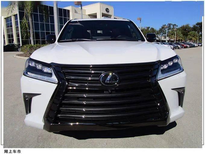 雷克萨斯LX黑曜版实拍!搭5.7L V8+双色内饰,配熏黑外观套件