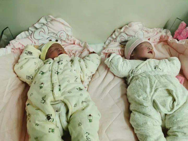 暖心~医护人员春节深情守护 双胞胎宝宝顺利诞生!  第3张
