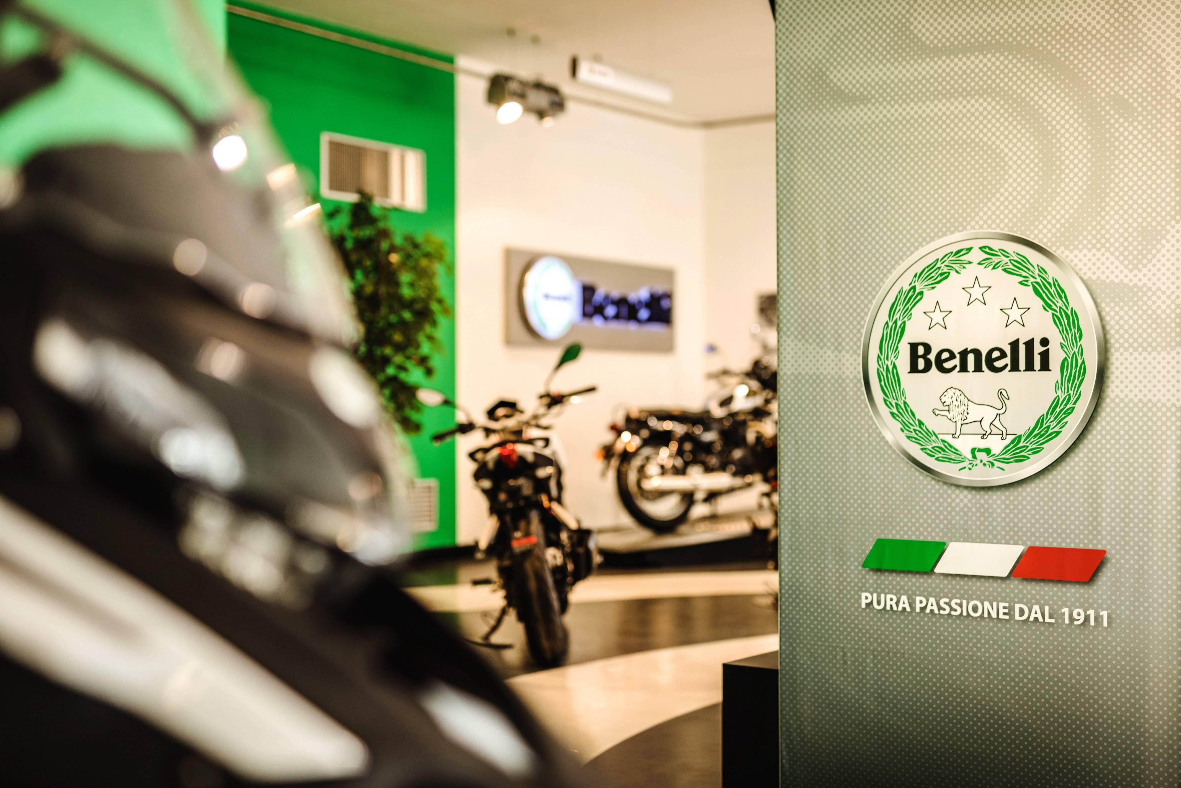 贝纳利在意大利的新陈列室、设创立一百一十周年展