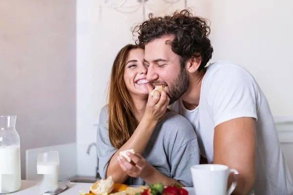 婚姻真的可能让你变胖,越恩爱越胖  第4张