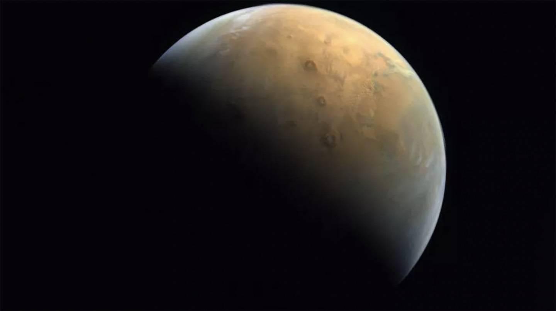 阿联酋探测器发回第一张火星照片