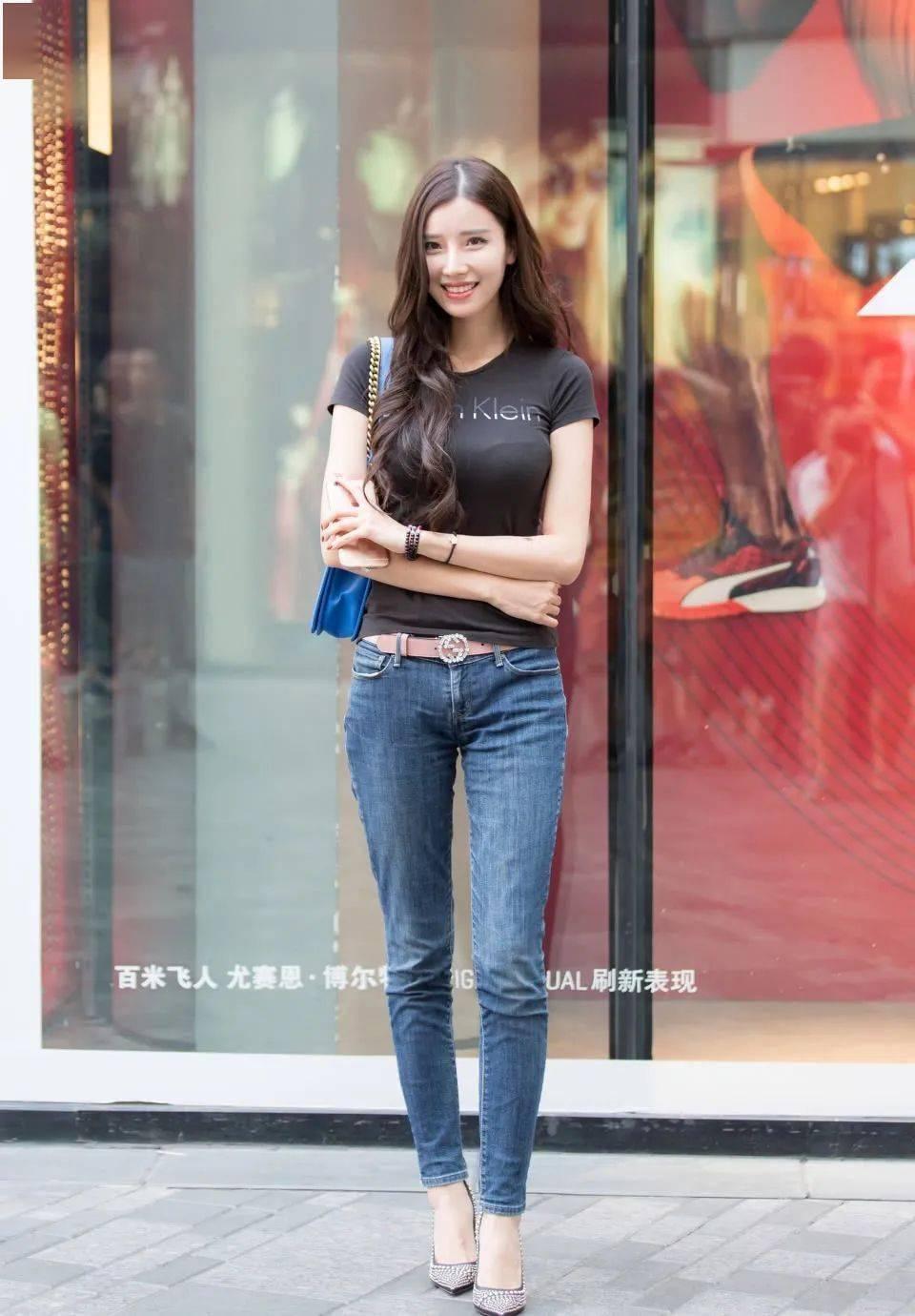 好看又时髦的牛仔裤穿搭,清爽甜美还非常的减龄