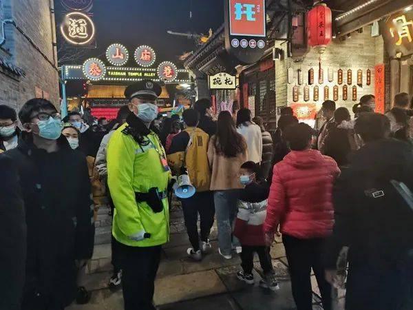 春节期间,山西出动23.5万警力护航全省人民安全  第3张