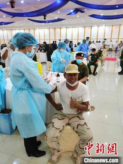 柬埔寨边防、海岛军警接种中国疫苗进一步增强抗疫信心