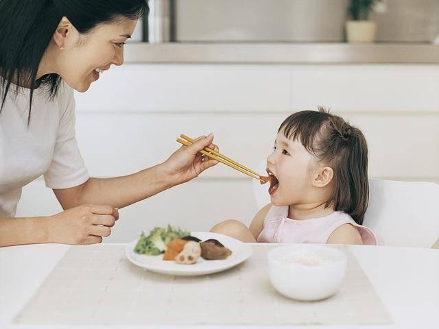 这四种伤脾胃的食物少给孩子吃,以免影响娃的生长发育  第6张