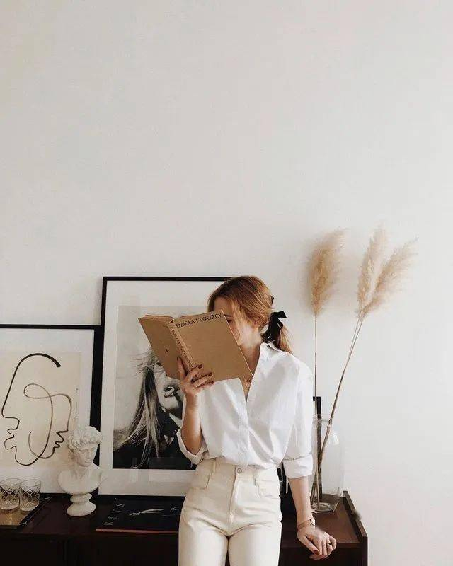 白衬衫,就要搭配牛仔裤!