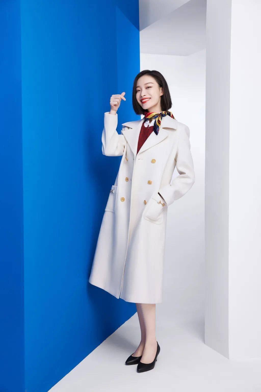 牛年春节 最出名的两件米白色大衣都在这里!