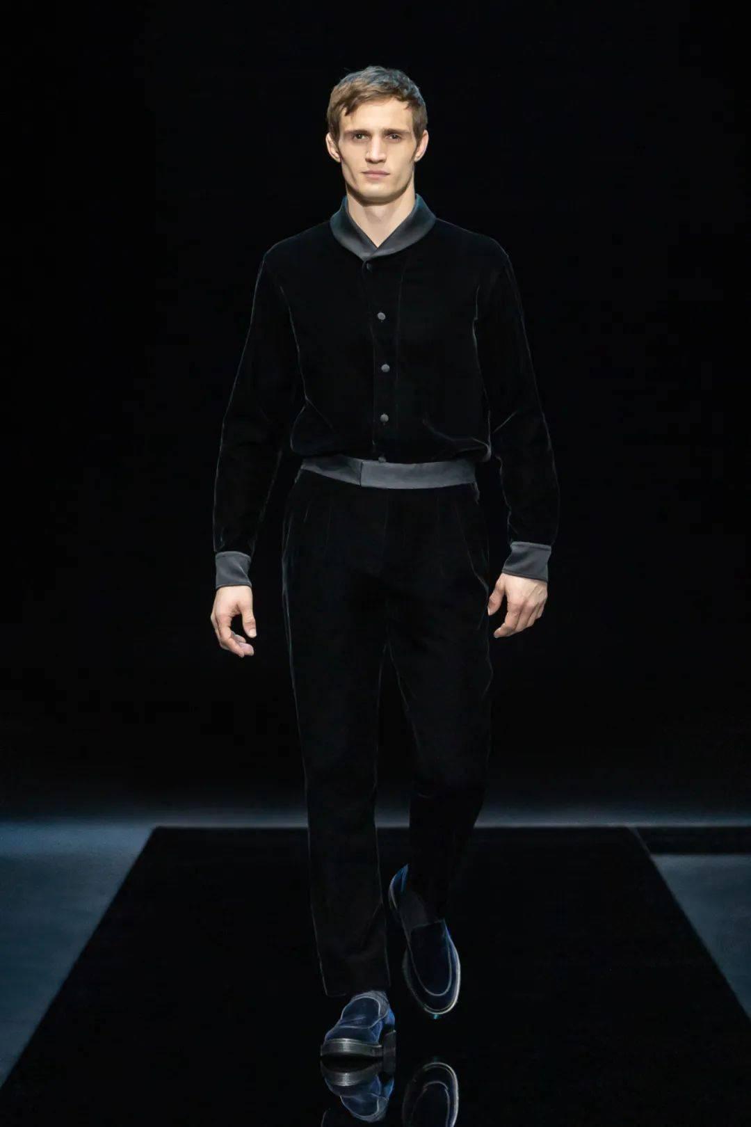 "T型台   不愧是""夹克之父""Giorgio Armani,章子怡和童瑶都爱穿"
