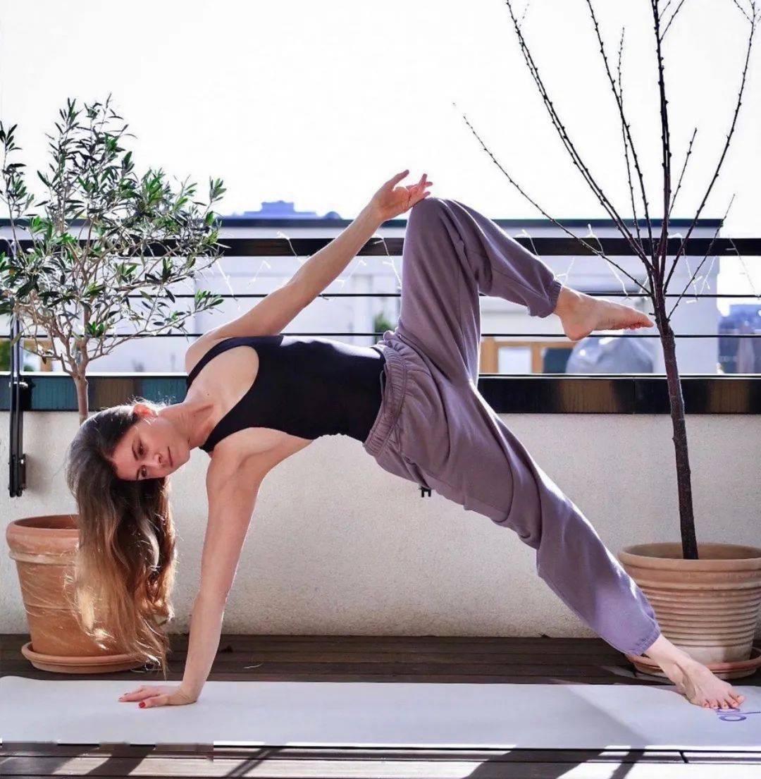去颈纹、瘦手臂、侧腰?这套瑜伽序列你一定要练!