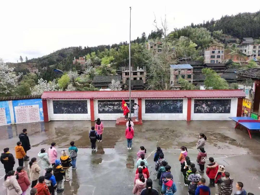 三江所有小学、幼儿园正式上课