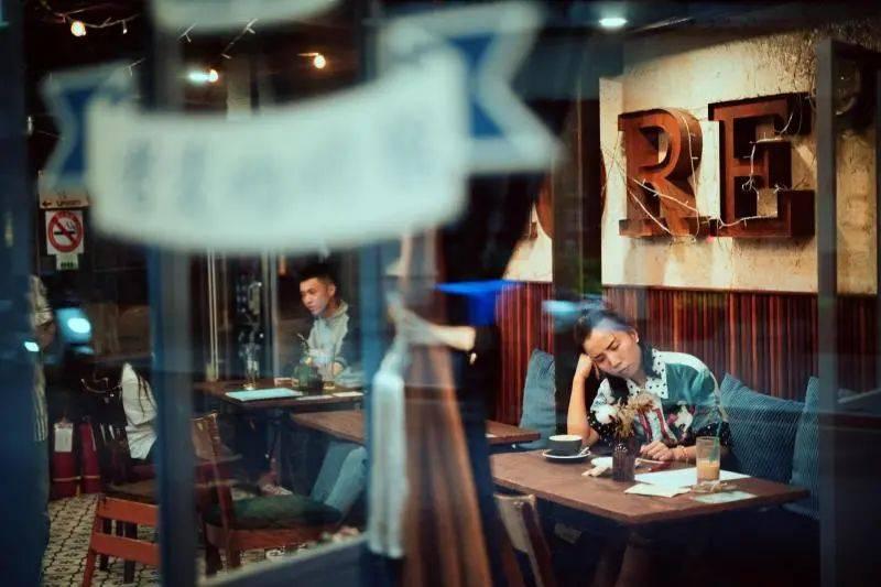 上海滩咖啡馆最多的一条街,99%的人都猜错了