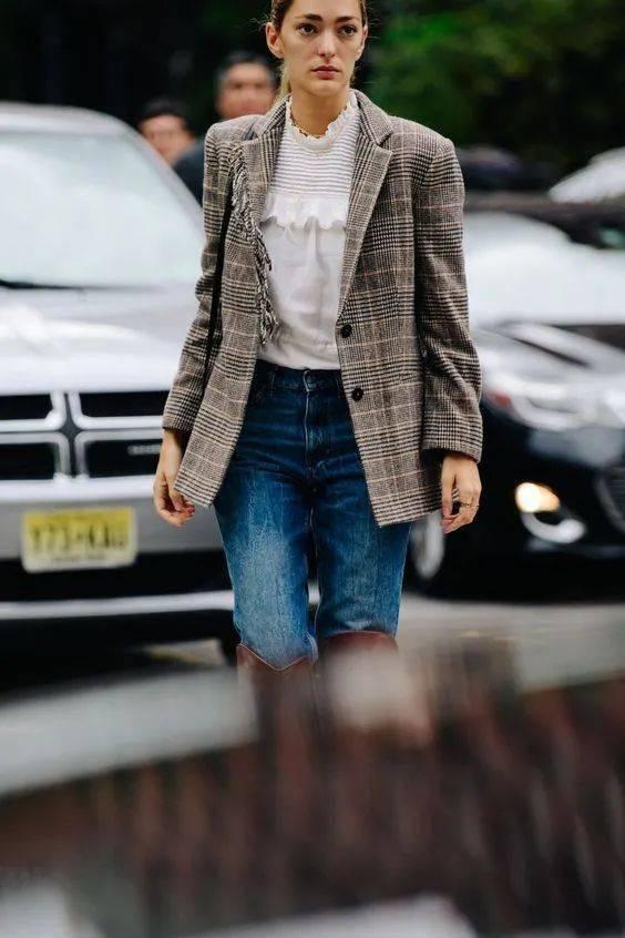 大西装,配牛仔裤才好看!