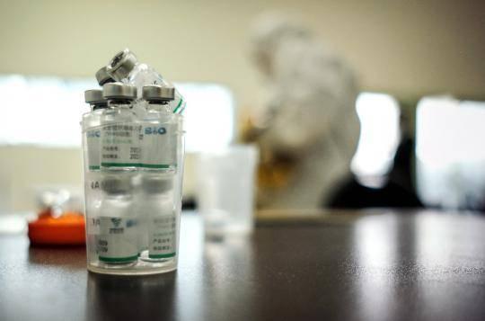 全球连线   世界最高海拔首都 迎来中国疫苗