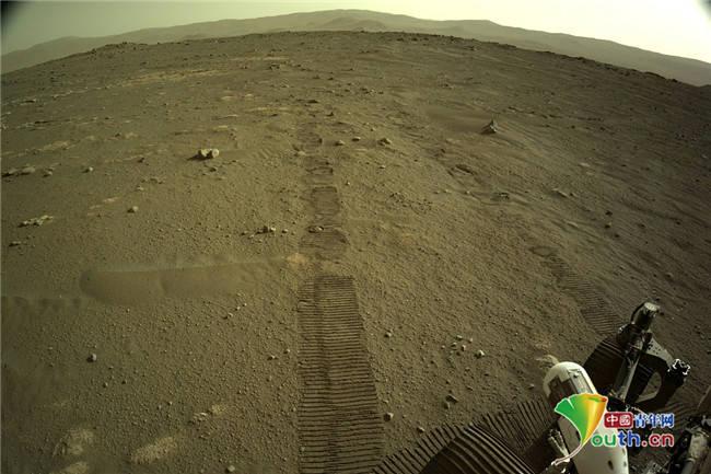 """NASA分享""""毅力号""""拍摄的高清火星全景图"""