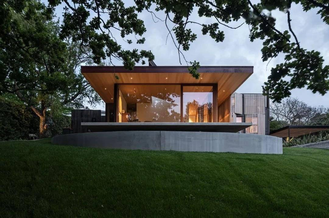 设计师的屋子,用细木条做外墙,豪宅中的一股清流