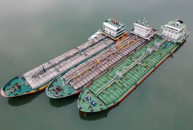 重庆警方打掉一特大成品油犯罪集团 涉案20亿                                   图2