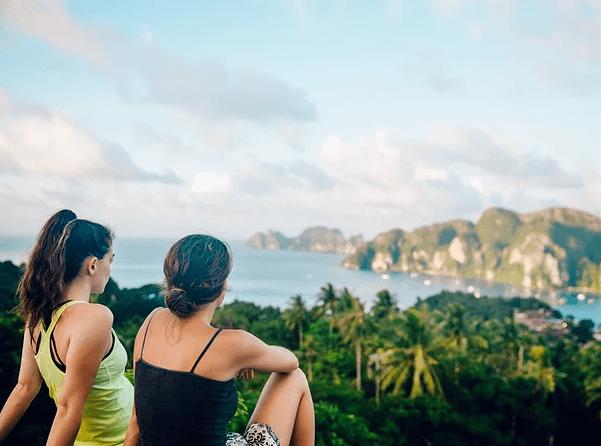 """多国逐步推行""""疫苗护照"""",三个月后可去泰国普吉岛"""