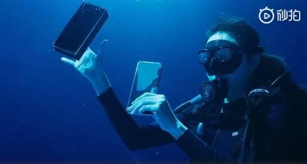 前所未有!小米11 Ultra首次深水开箱:支持IP68级防尘防水